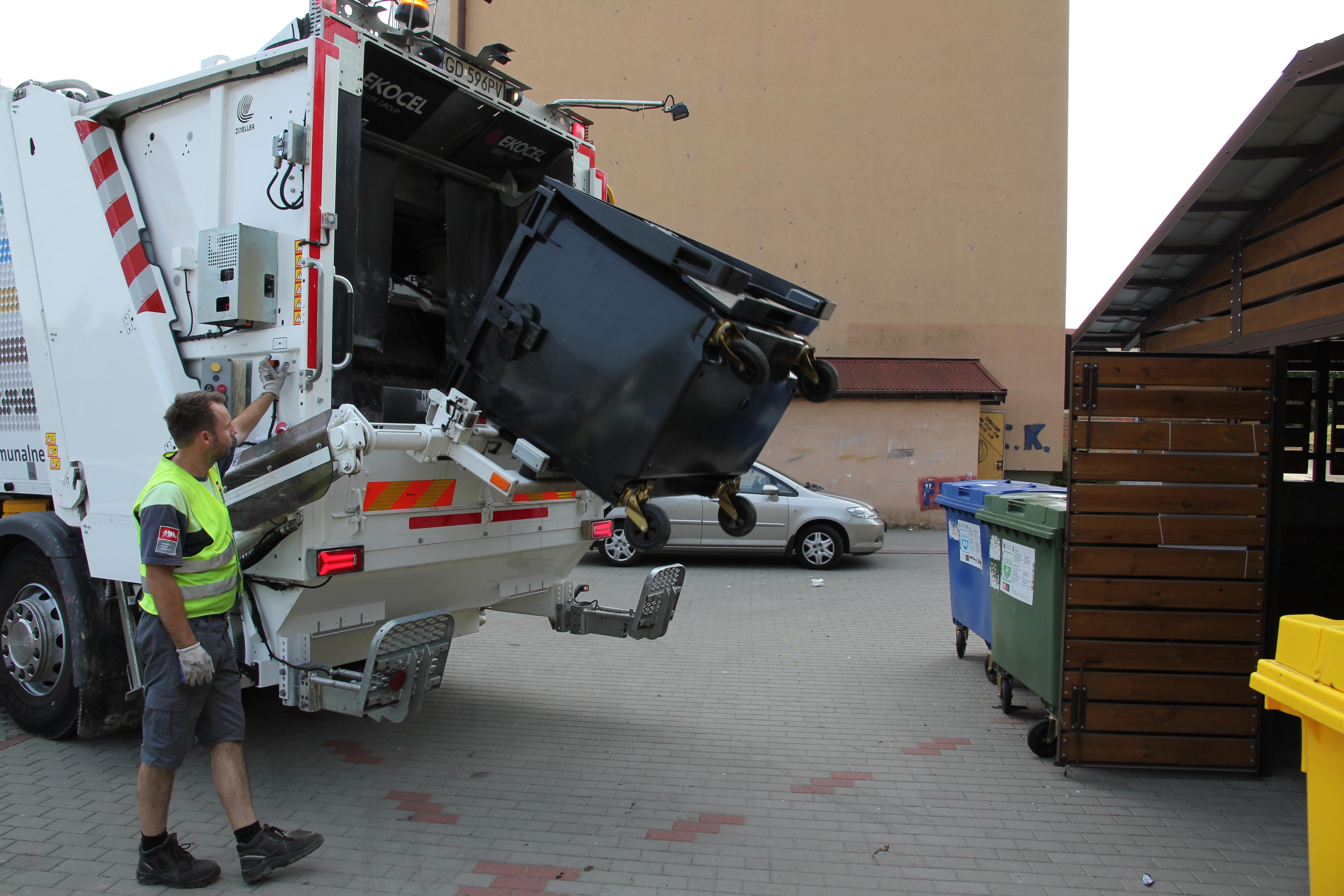 Harmonogram odbioru odpadów w związku z wolnym dniem 15 sierpnia.